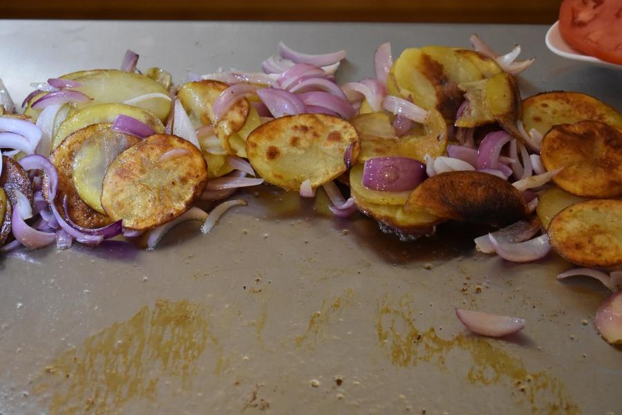 Oktoberfest Teppanyaki Style: Schnitzel & Crispy Potatoes